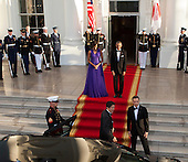 United States President Barack Obama and first lady Michelle Obama welcome Prime Minister Shinzo Abe and his wife Akie Abe to The White House in Washington DC for a State Dinner, April 28, 2015. <br /> Credit: Chris Kleponis / CNP