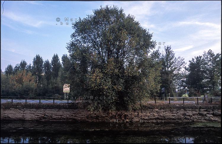Trezzano sul Naviglio (Milan), canal Naviglio Grande