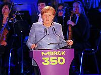 Ansprache von Bundeskanzlerin Angela Merkel (CDU) - 03.05.2018: Festakt zu 350 Jahre Merck in Darmstadt mit Bundeskanzlerin Angela Merkel