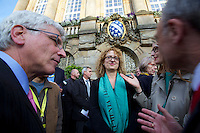 dOCUMENTA (13) in Kassel, Germany..Press Reception at City Hall..dOCUMENTA (13) Director Carolyn Christov-Bakargiev (m)..Kassel Mayor Bertram Hilgen (l.)