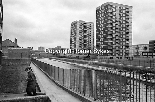 Council estate housing, Regents Canal.  Hoxton Harrerston east London 1978.<br /> <br /> PS if you know where exactly this is please email me. Many thanks.<br /> <br /> My ref 14/3520/, 1978,