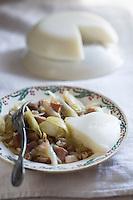 Europe/France/Aquitaine/40/Landes/ Marquèze: Ecomusée de Marquèze, l'Ecomusée de  la Grande Lande - Saupiquet, mélange d'oignons, graisse de canard  et jambon  accompagné de cruchade , bouillie de maîs blanc