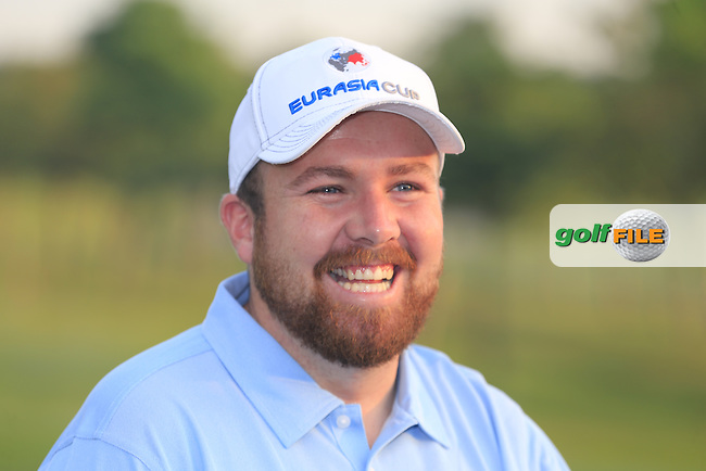 Shane Lowry (IRL) at the European Team photo before Pro-Am Day of the 2016 Eurasia Cup held at the Glenmarie Golf &amp; Country Club, Kuala Lumpur, Malaysia. 14th January 2016.<br /> Picture: Eoin Clarke | Golffile<br /> <br /> <br /> <br /> All photos usage must carry mandatory copyright credit (&copy; Golffile | Eoin Clarke)