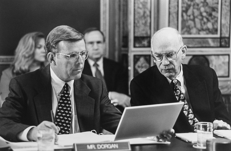 Sen. Byron Dorgan, D-N.D., and Sen. Bob Bennett, R-Utah, look at a chart during Senate Legislative Appropriations hearing on June 9, 1997. (Photo by Maureen Keating/CQ Roll Call via Getty Images)