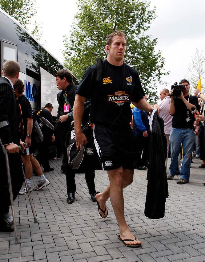 Photo: Richard Lane/Richard Lane Photography. .Leicester Tigers v London Wasps. Guinness Premiership Final. 31/05/2008. Wasps' Richard Birkett leaves the coach for the stadium.