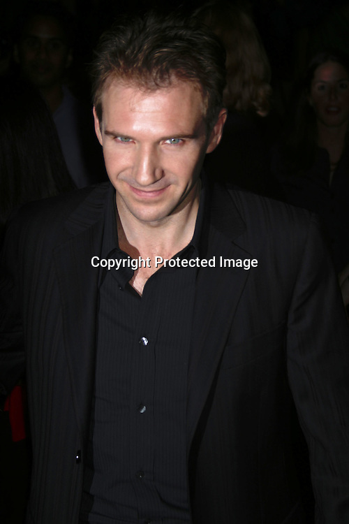 "©2002 AURA BLANDINO/ HUTCHINS PHOTO.PREMIERE OF ""RED DRAGON""   9/30/02.ZIEGFIELD THEATRE , NEW YORK, NY...RALPH FIENNES"