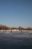 23 Decembre 2012 - Hockeyeurs sur le lac Houhai - Pékin