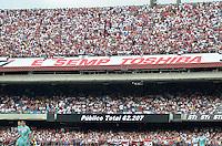 ATENÇÃO EDITOR: FOTO EMBARGADA PARA VEÍCULOS INTERNACIONAIS - SÃO PAULO, SP, 18 DE NOVEMBRO DE 2012 - CAMPEONATO BRASILEIRO - SÃO PAULO x NAUTICO: Mais de 62 mil pessoas presentes durante partida São Paulo x Nautico válida pela 36ª rodada do Campeonato Brasileiro de 2012 no Estádio do Morumbi. FOTO: LEVI BIANCO - BRAZIL PHOTO PRESS