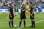 10.09.2017, Olympiastadion, Berlin, GER, 1.FBL, Hertha BSC vs SV Werder Bremen<br /> <br /> im Bild<br /> Thomas Stein (Schiedsrichter-Asstent / SR-A. 2), Bibiana Steinhaus (Schiedsrichterin / referee), Christof G&uuml;nsch (Schiedsrichter-Asstent / SR-A. 1) w&uuml;nschen sich gegenseitig ein gutes Spiel, <br /> <br /> Foto &copy; nordphoto / Ewert