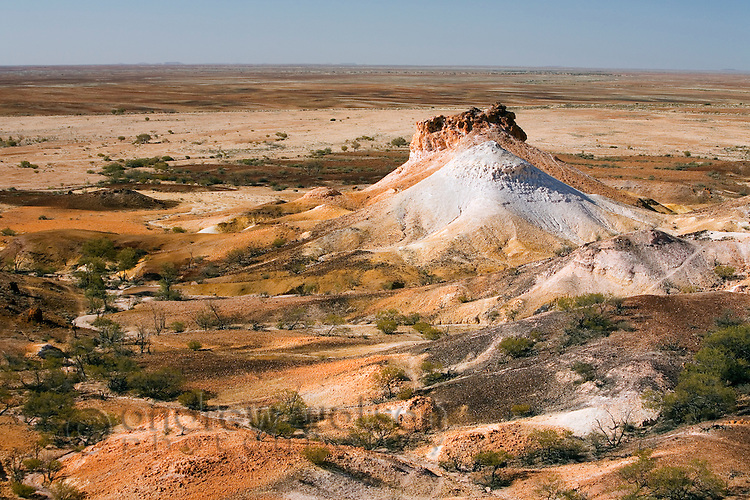 The Breakaways - a geological formation of flat topped hills and stony desert formed by an inland sea 70 million years ago.  Breakaways Reserve, Coober Pedy, South Australia, AUSTRALIA.