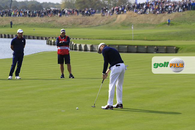 Jordan Spieth Team USA putts to win the match on the 18th green during Friday's Fourball Matches at the 2018 Ryder Cup, Le Golf National, Iles-de-France, France. 28/09/2018.<br /> Picture Eoin Clarke / Golffile.ie<br /> <br /> All photo usage must carry mandatory copyright credit (© Golffile   Eoin Clarke)