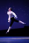 LE PARC....Choregraphie : PRELJOCAJ Angelin..Compositeur : MOZART Wolfgang Amadeus..Compagnie : Ballet National de L Opera de Paris..Orchestre : Orchestre Colonne..Decor : LEPROUST Thierry..Lumiere : CHATELET Jacques..Costumes : PIERRE Herve..Avec :..LE RICHE Nicolas..Lieu : Opera Garnier..Ville : Paris..Le : 04 03 2009..© Laurent PAILLIER / www.photosdedanse.com..All rights reserved