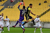 Western Sydney Wanderers FC&rsquo;s Vedran Janjetovic and Wellington Phoenix' Steven Taylor in action during the A-League - Wellington Phoenix v Western Sydney Wanderers at Westpac Stadium, Wellington, New Zealand on Saturday 3 November  2018. <br /> Photo by Masanori Udagawa. <br /> www.photowellington.photoshelter.com