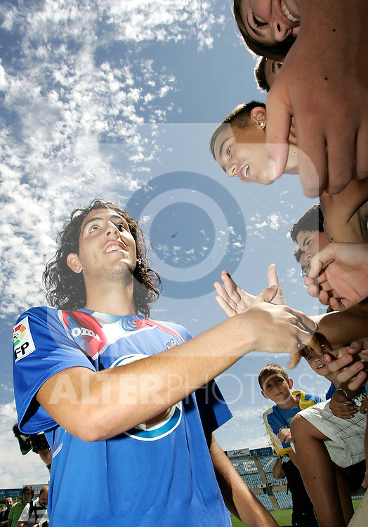Getafe's new player Daniel Parejo during his official presentation. July 27, 2009. (ALTERPHOTOS/Alvaro Hernandez).