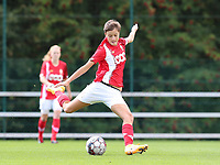 Standard's Maurane Marinucci (7) gets ready to give a cross during a female soccer game between Standard Femina de Liege and Oud Heverlee Leuven on the second matchday of the 2020 - 2021 season of Belgian Scooore Women s SuperLeague , saturday 5 th of September 2020  in Angleur , Belgium . PHOTO SPORTPIX.BE | SPP | SEVIL OKTEM