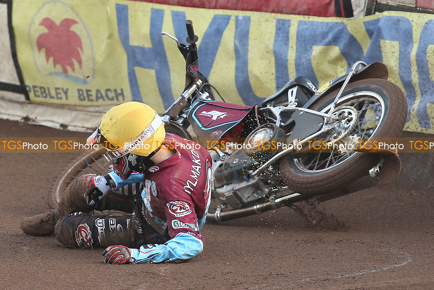 Heat 1: Joonas Kylmakorpi crashes out of the race - Swindon Robins vs Lakeside Hammers - Sky Sports Elite League Speedway at Abbey Stadium - 28/05/09 - MANDATORY CREDIT: Gavin Ellis/TGSPHOTO - Self billing applies where appropriate - 0845 094 6026 - contact@tgsphoto.co.uk - NO UNPAID USE.