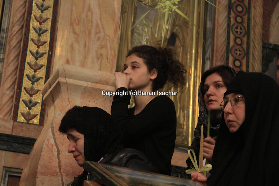 Israel, Jerusalem, Orthodox pilgrims on Palm Sunday at the Church of the Holy Sepulchre