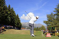 Matthew Fitzpatrick (ENG) tees off the 18th tee during Saturday's Round 3 of the 2018 Omega European Masters, held at the Golf Club Crans-Sur-Sierre, Crans Montana, Switzerland. 8th September 2018.<br /> Picture: Eoin Clarke | Golffile<br /> <br /> <br /> All photos usage must carry mandatory copyright credit (&copy; Golffile | Eoin Clarke)
