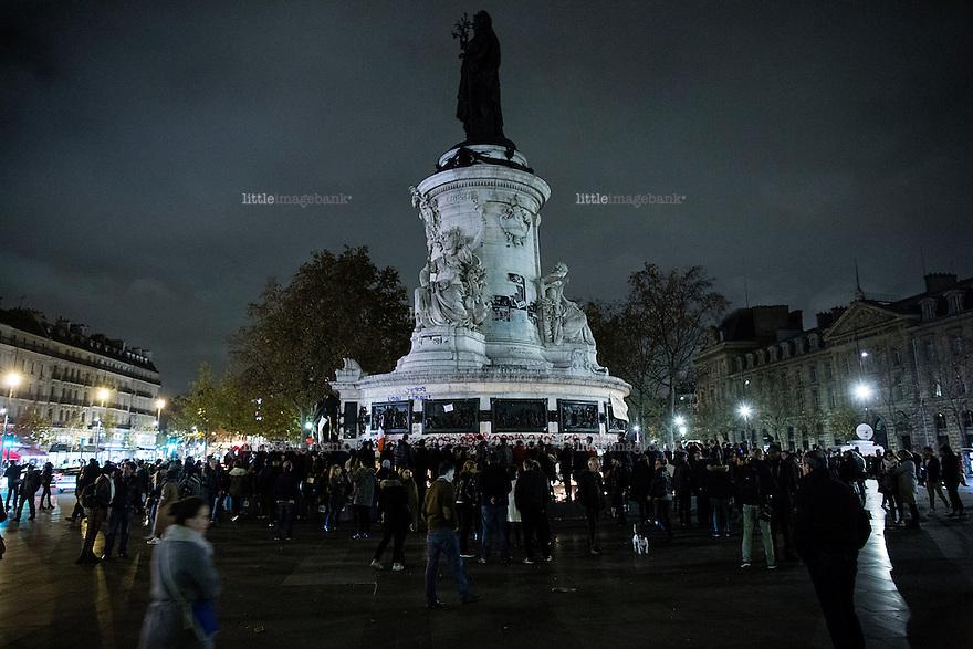 Paris, Frankrike, 15.11.2015. Place de la Republique. Images from Paris in the aftermath of the devastating terror attacks on friday november 13. Photo: Christopher Olssøn.