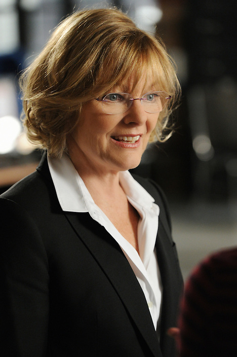"""Carrie?¢¬?¬?s Caller?¢¬?¬ù ?¢¬?¬? Medical Examiner Joanne Webster (Jane Curtin), joins the Queens PD just in time to help them hunt a serial sniper, on UNFORGETTABLE, Tuesday, Feb 7 (10:00 ?¢¬?¬? 11:00 PM ET/PT) on the CBS Television Network Photo: David M. Russell/CBS ??¬©2012 CBS Broadcasting Inc.  #Unforgettable"