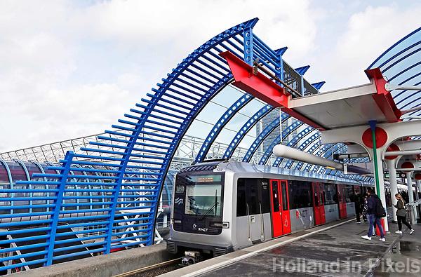 Nederland  Amsterdam -  September 2018.  Metro bij Station Sloterdijk.  Foto Berlinda van Dam / Hollandse Hoogte