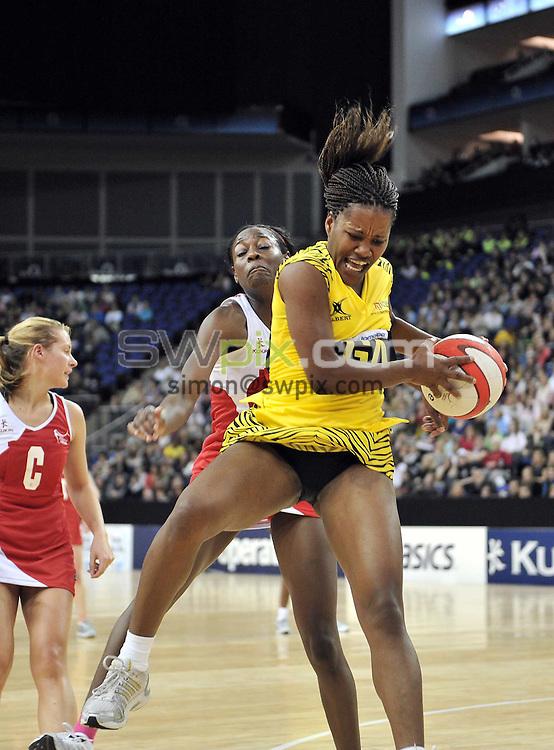 PICTURE BY Ben Duffy/SWPIX.COM - Netball - The Co-Operative International Series - England v Jamaica, First Test - O2 Arena, London, England - 22/02/09...Copyright - Simon Wilkinson - 07811267706...Jamaica's Simone Forbes