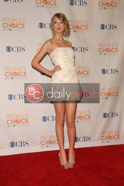 Taylor Swift<br /> at the Press Room for the 2010 People's Choice Awards, Nokia Theater L.A. Live, Los Angeles, CA. 01-06-10<br /> David Edwards/Dailyceleb.com 818-249-4998