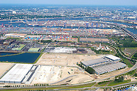 4415/Hafenerweiterung:EUROPA, DEUTSCHLAND, HAMBURG 28.05.2005: Hafenerweiterung, Ausbau, Neubau, Umbau, Hafen, Elbe, Transport, Container, Containerhafen, Grosse Dradenau, Dradenauhafen,  Schifffahrt, Luftaufnahme, Luftbild,  Luftansicht