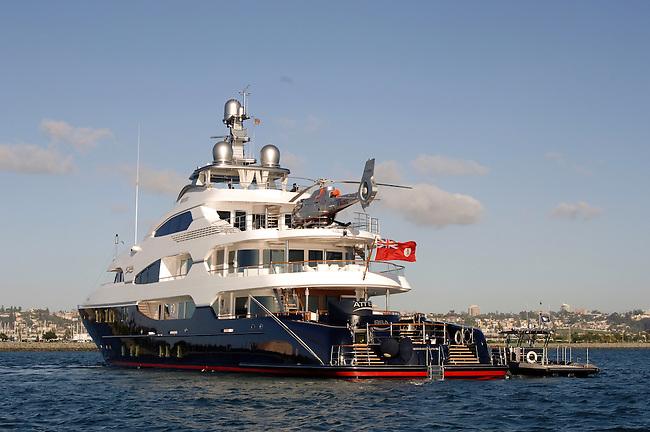 Mega Yacht Attessa stern