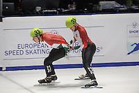 SHORTTRACK: DORDRECHT: Sportboulevard Dordrecht, 24-01-2015, ISU EK Shorttrack, Bence BÉRES (HUN | #33), Viktor KNOCH (HUN | #35), ©foto Martin de Jong