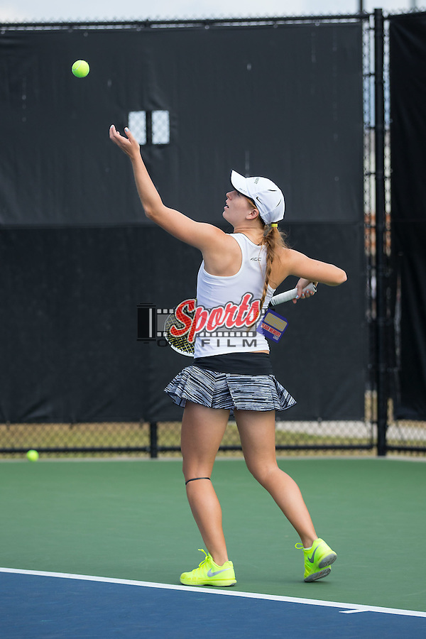 Luisa Fernandez of the Wake Forest Demon Deacons during singles action in the Wake Forest Invitational at the Wake Forest Tennis Center on October 9, 2015 in Winston-Salem, North Carolina.  (Brian Westerholt/Sports On Film)