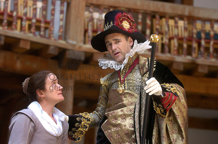 Measure For Measure with Mark Rylance,Sophie Thompson.Opens at Shakespeare's Globe 30/6/04  CREDIT Geraint Lewis
