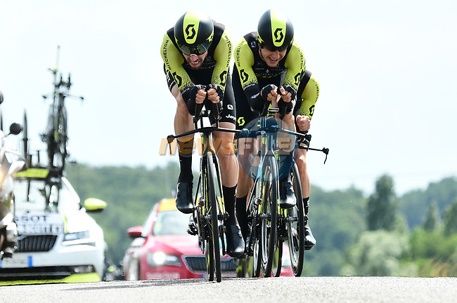 Mitchelton-Scott in action during Stage 3 of the 2018 Criterium du Dauphine 2018 a Team Time Trial running 35km from Pont de Vaux to Louhans Chateaurenaud, France. 6th June 2018.<br /> Picture: ASO/Alex Broadway | Cyclefile<br /> <br /> <br /> All photos usage must carry mandatory copyright credit (© Cyclefile | ASO/Alex Broadway)