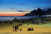 Entardecer na Praia de Ipanema, Rio de Janeiro. 2019. Foto © Juca Martins