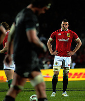 Sam Warburton waits for a Lions penalty attempt during the 2017 DHL Lions Series rugby union match between the NZ Maori and British & Irish Lions at Rotorua International Stadium in Rotorua, New Zealand on Saturday, 17 June 2017. Photo: Dave Lintott / lintottphoto.co.nz