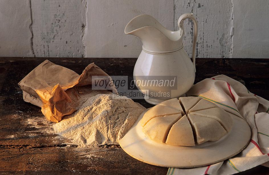 Europe/France/Aquitaine/40/Landes/Parc Naturel Régional des Landes de Gascogne/Marquèze (écomusée de la Grande Lande) /Sabres: Cruchade (bouillie à base de farine de maïs blanc)