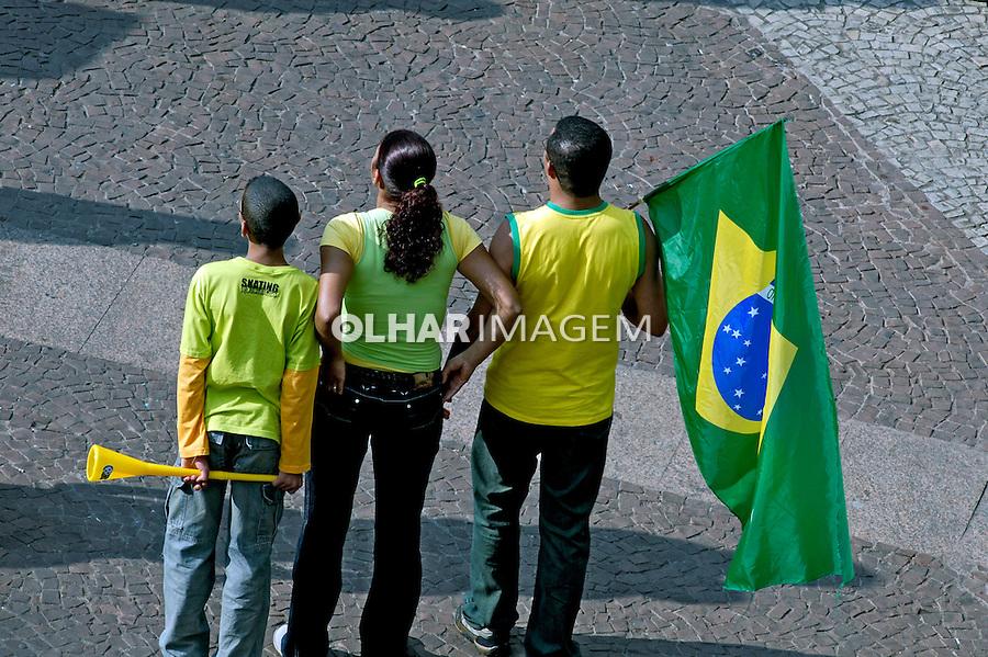 Torcida da Copa do Mundo. São Paulo. 2006. Foto de Juca Martins.