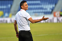 BARRANQUILLA- COLOMBIA - 19-08-2015: Giovanni Hernandez director tecnico  de  Uniautonoma   en accion  contra   Nacional   durante partido  por la fecha 7 de la Liga Aguila II 2015 jugado en el estadio Metropolitano / Giovanni Hernandez coach of Uniautonoma  in actions against Nacional  during a match for the seventh date of the Liga Aguila II 2015 played at Metropolitano  stadium in Barranquilla  city. Photo: VizzorImage / Alfonso Cervantes / Contribuidor