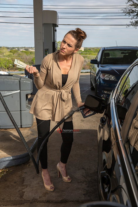 Oil Refineries blamed for summer gas price spike
