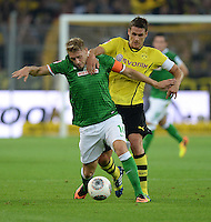 FUSSBALL  1. BUNDESLIGA  SAISON 2013/2014   3. SPIELTAG Borussia Dortmund - Werder Bremen                  23.08.2013 Aaron Hunt (li, SV Werder Bremen) gegen Sebastian Kehl (re, Borussia Dortmund)