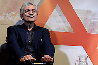 Massimo D'Alema ad Alternative