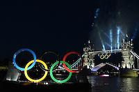 A boat cross the London Bridge.Un motoscafo attraversa il London Bridge aperto a 24 ore dall'inaugurazione dei giochi olimpici.London 26/7/2012 .London 2012 Olympic games - Olimpiadi Londra 2012.Foto Andrea Staccioli Insidefoto