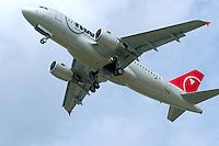 Airbus A319-100:EUROPA, DEUTSCHLAND, HAMBURG 24.05.2005: Airbus A319-100, NWA, Northwest Airlines, Hamburg Finkenwerder, Probeflug, Uebergabe, Testflug, Erprobung, Start, EADS,  Kurzstrecke, Verkaufsknueller, Luftfahrtindustrie, herstellung, Bau, Produktionsstandort, Produktion, Auslieferung, .c o p y r i g h t : A U F W I N D - L U F T B I L D E R . de.G e r t r u d - B a e u m e r - S t i e g  1 0 2,  .2 1 0 3 5  H a m b u r g ,  G e r m a n y.P h o n e  + 4 9  (0) 1 7 1 - 6 8 6 6 0 6 9 .E m a i l      H w e i 1 @ a o l . c o m.w w w . a u f w i n d - l u f t b i l d e r . d e.K o n t o : P o s t b a n k    H a m b u r g .B l z : 2 0 0 1 0 0 2 0  .K o n t o : 5 8 3 6 5 7 2 0 9.C  o p y r i g h t   n u r   f u e r   j o u r n a l i s t i s c h  Z w e c k e, keine  P e r s o e n  l i c h ke i t s r e c h t e   v o r  h a n d e n,  V e r o e f f e n t l i c h u n g  n u r    m i t  H o n o r a  n a c h  MFM, N a m e n s n e n n u n g und B e l e g e x e m p l a r !...