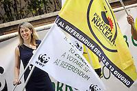 Roma 8 Giugno 2011.Via Po, sede wwf.La maratona del WWF .Attivisti attraversano la città correndo per promuovere l'informazione sul voto ai referendum su Acqua, Nucleare e Legittimo impedimento del 12 e 13 Giugno.Nella foto la presidente del wwf Lazio Vanessa Ranieri