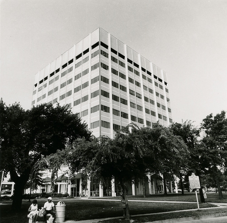 1970 July 28..Redevelopment.Atlantic City (R-1)..Medical Tower.Medical Center..Millard Arnold.NEG# MDA70-90-8.NRHA# 4437..
