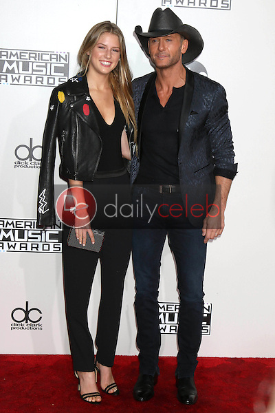 Maggie Elizabeth McGraw, Tim McGraw<br /> at the 2016 American Music Awards, Microsoft Theater, Los Angeles, CA 11-20-16<br /> David Edwards/DailyCeleb.com 818-249-4998