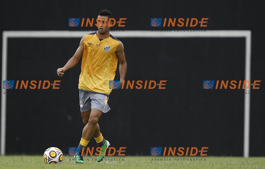 Bildnummer: 07153718  Datum: 11.01.2011  Copyright: imago/Fotoarena<br /> Felipe Anderson  (FC Santos) x(181)xLuizxFernandoxMenezesx/xFox PUBLICATIONxNOTxINxBRA (3228); Fussball Herren Brasilien Campeonato Brasileiro Training Einzelbild vdig xsk 2011 quer <br /> <br /> Image number 07153718 date 11 01 2011 Copyright imago  Felipe Anderson said FC Santos X 181   PUBLICATIONxNOTxINxBRA  Football men Brazil Campeonato Brasileiro Training Single Vdig xsk 2011 horizontal   <br /> Foto imago/Insidefoto