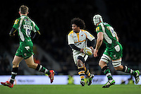 Ashley Johnson of Wasps looks to pass the ball. Aviva Premiership match, between London Irish and Wasps on November 28, 2015 at Twickenham Stadium in London, England. Photo by: Patrick Khachfe / JMP
