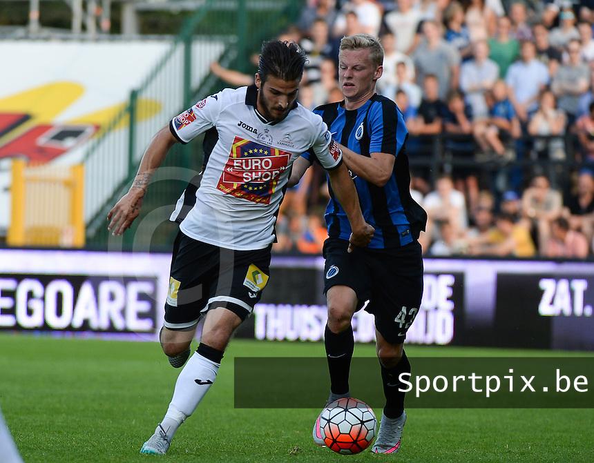 KSV Roeselare - Club Brugge KV : duel tussen Pietro Perdichizzi (links) met Nikola Storm (r) <br /> foto VDB / BART VANDENBROUCKE