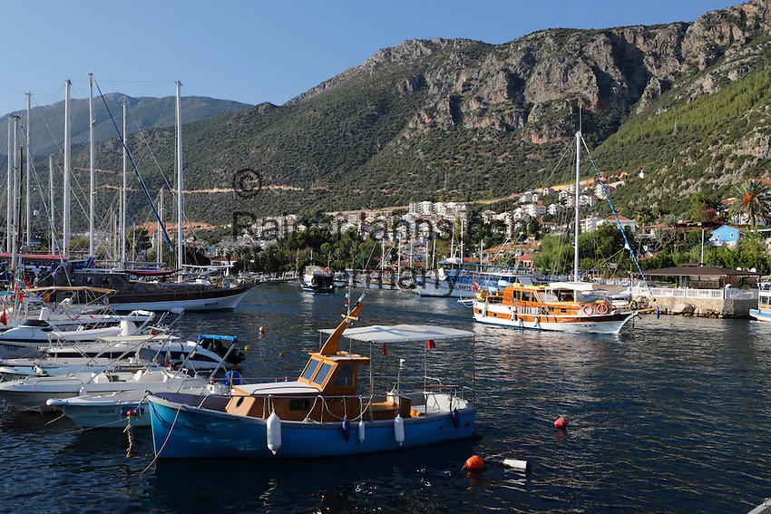 Turkey, Province Antalya, Kas: Gulets in harbour | Tuerkei, Provinz Antalya, Kas: beliebter Ferienort